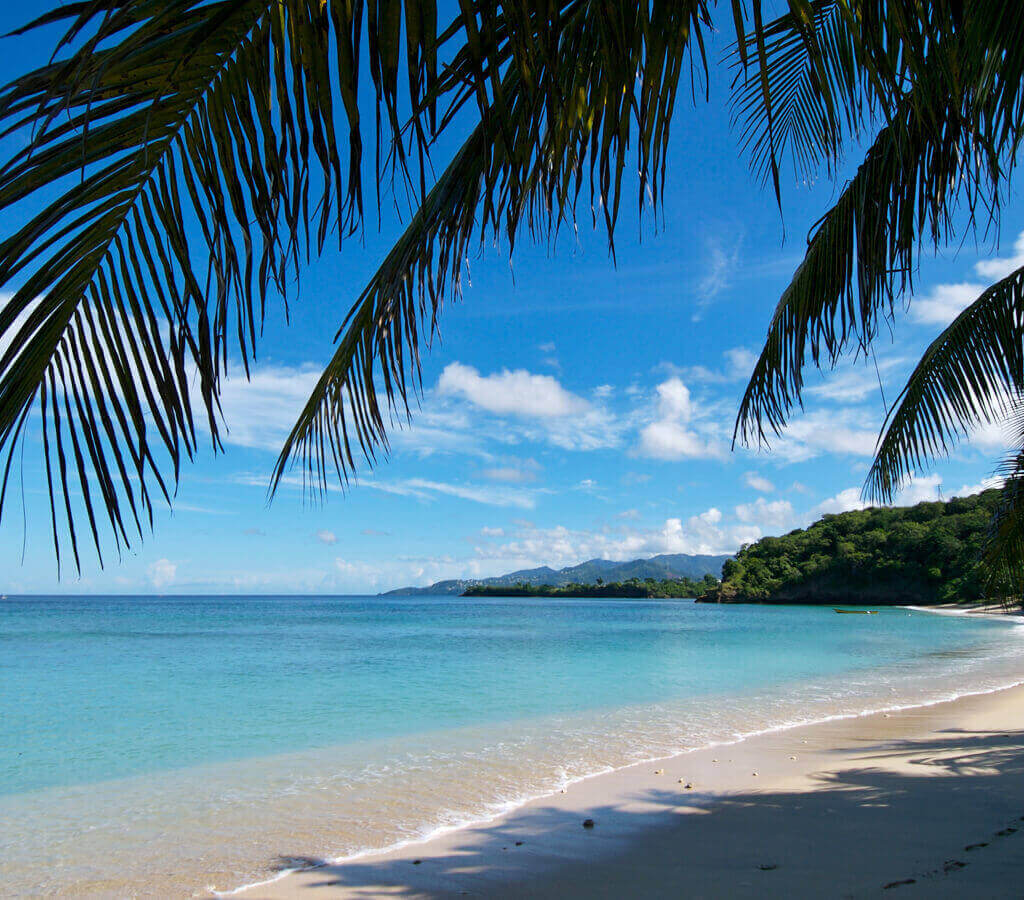 Romantic Caribbean Resorts | Laluna's secluded beach front property